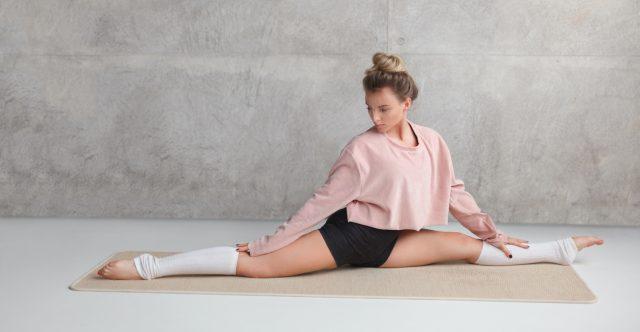 Stretches for Front Splits & Hip Flexors by mUvmethod & TutuTix